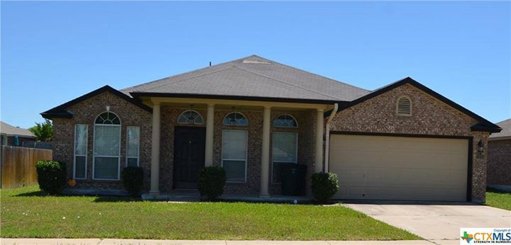3 bed | 2 Bath | 2,514 Sqft | Year: 2004 Price : $…
