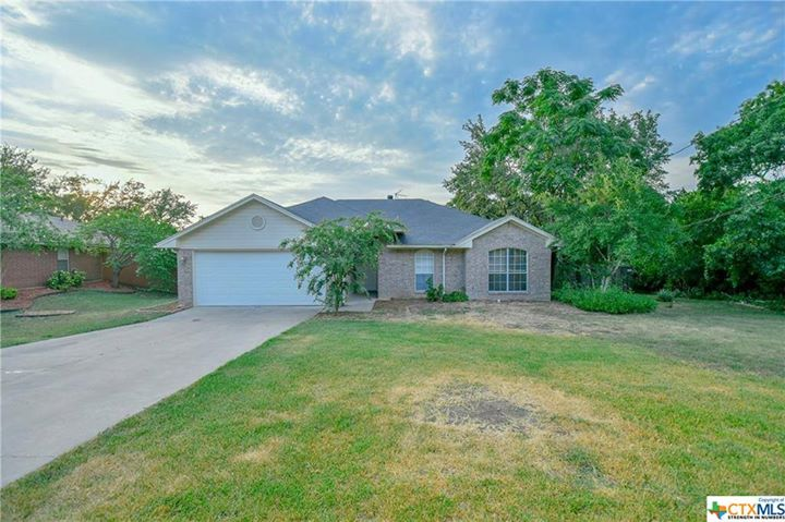 3 beds | 2 baths | 1,393 SqFt | Precio $ 154,900 | Year:…