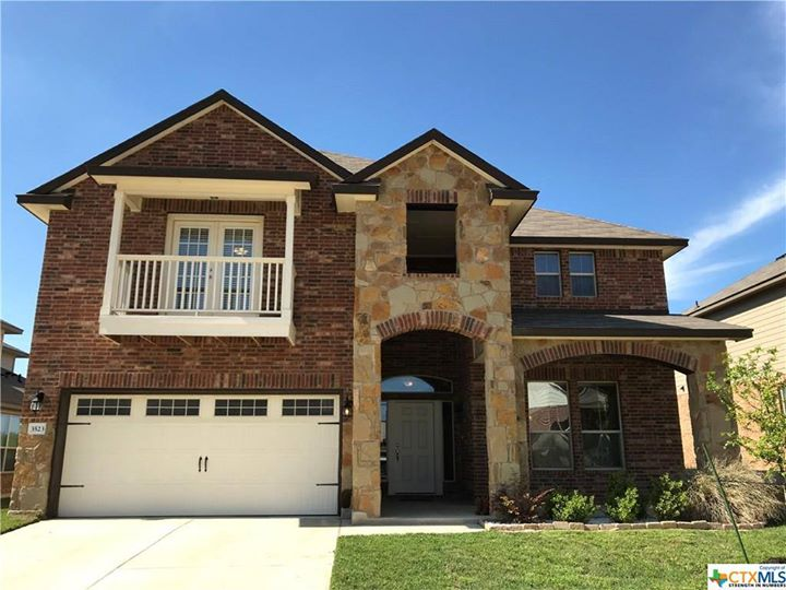 """5 bed   3 bath   3,416 Sqft   Year: 2016 Price: $256,900 """"Are…"""